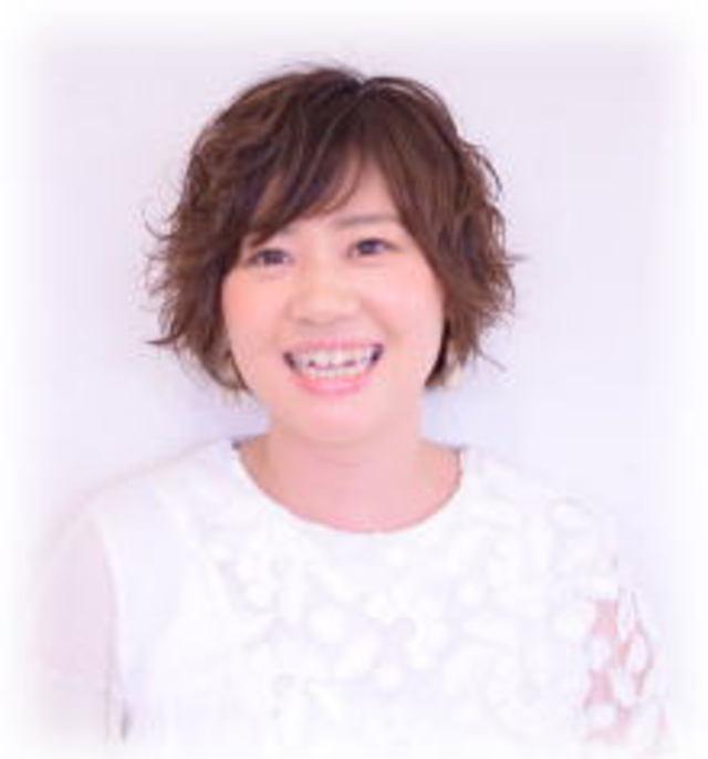 女性部門店長<br />秦 和美<br />Kazumi Shin