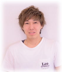 アシスタント<br />山下 智大<br />Tomohiro Yamashita