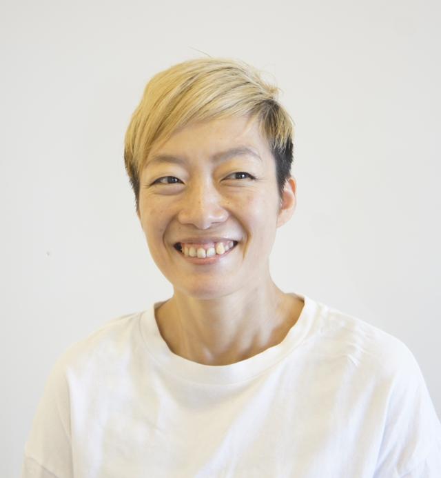 スタイリスト<br />奥 綾子<br />Ayako Oku