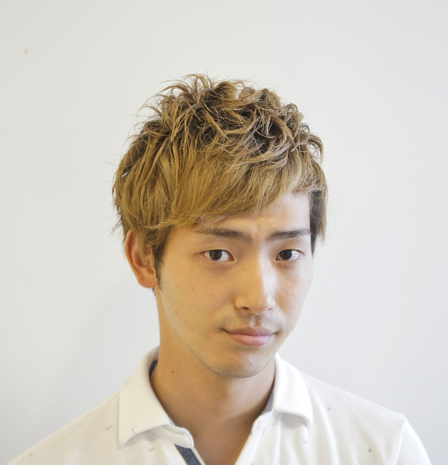 アシスタント<br />西 貴弥<br />Takaya Nishi