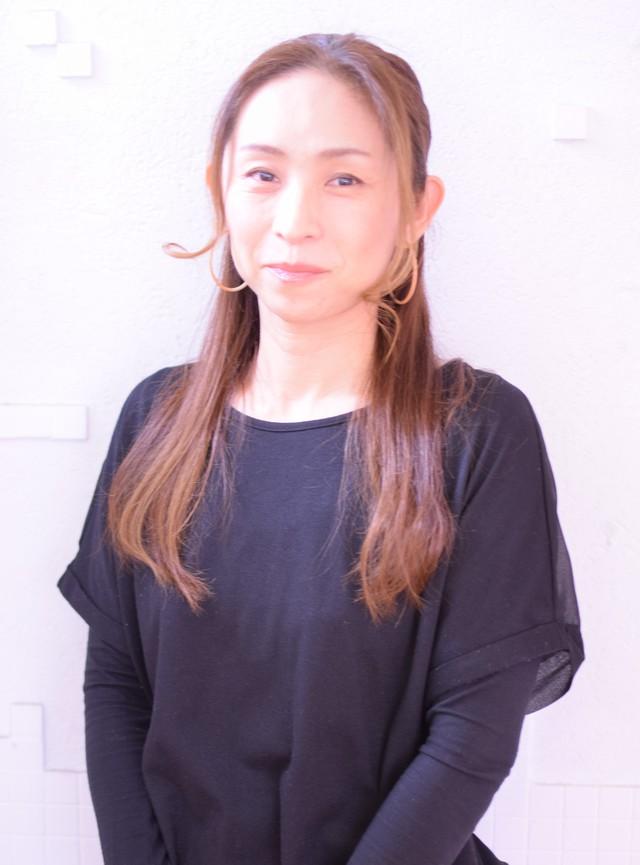 スタイリスト<br />山野 親子<br />Yoriko Yamano