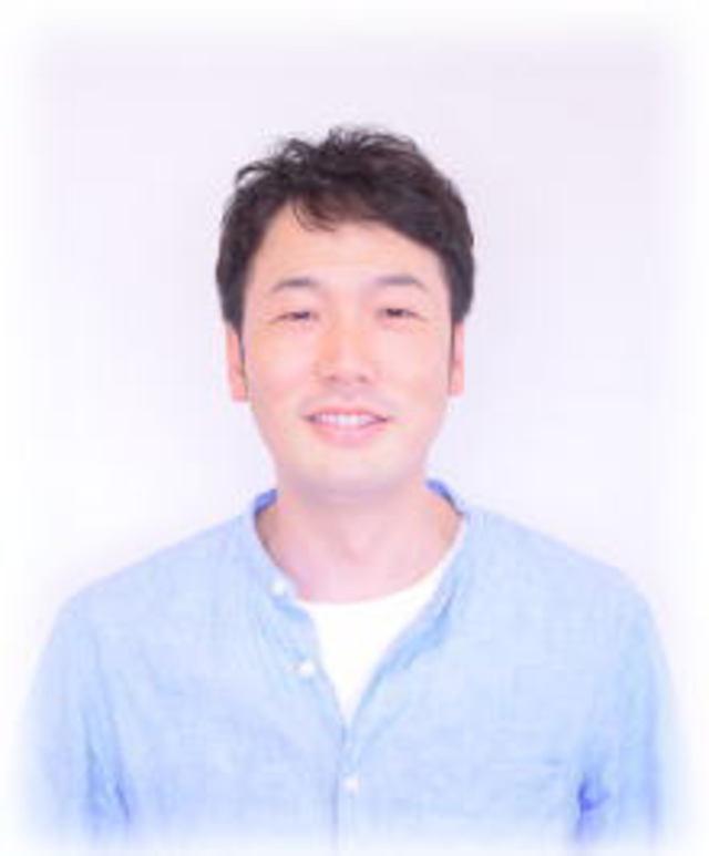 スタイリスト<br />岩浅 緒悟<br />Iwaasa Shogo