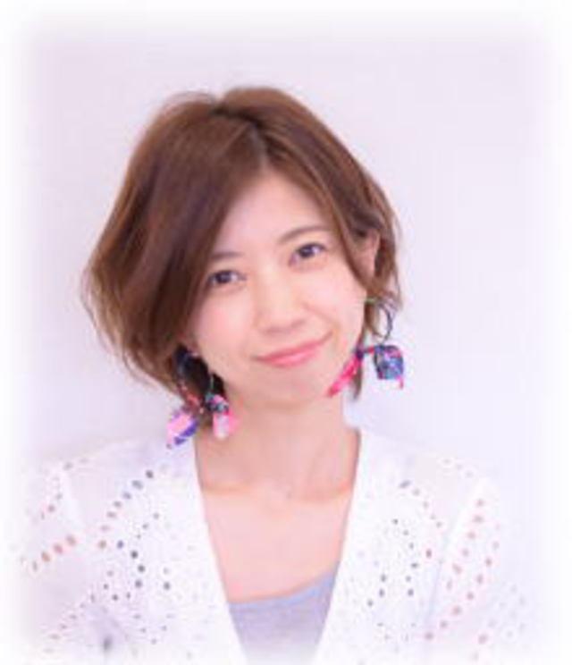 スタイリスト<br />山本 直子<br />Naoko Yamamoto